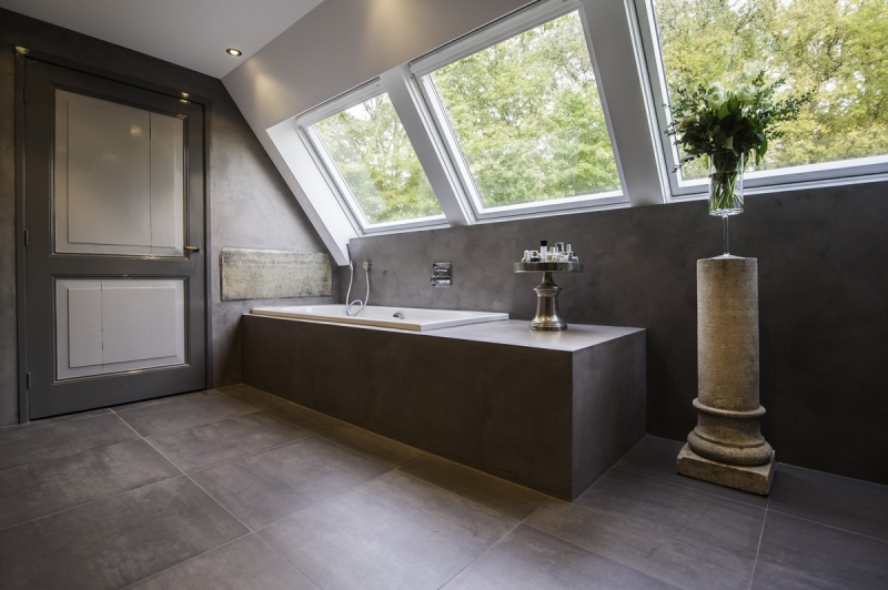 De Spaan Showroom – Microcement badkamer Project Naarden