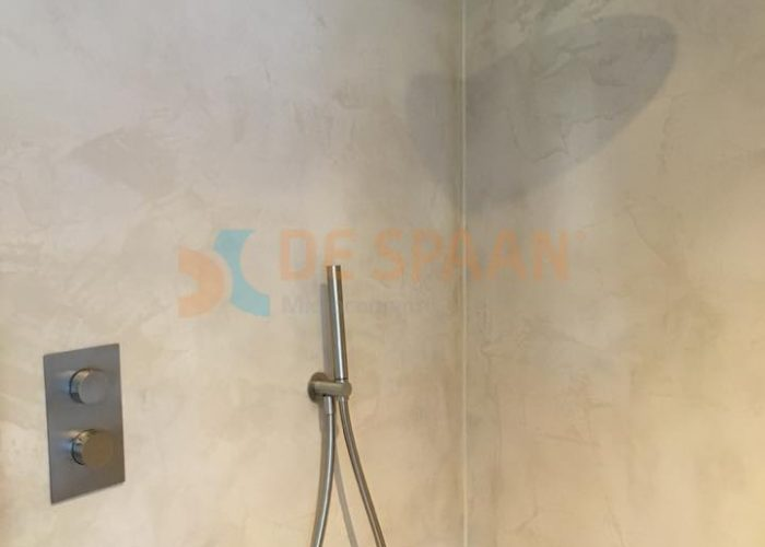 "De Spaan Showroom – Microcement naadloze badkamer wanden ""Project ..."