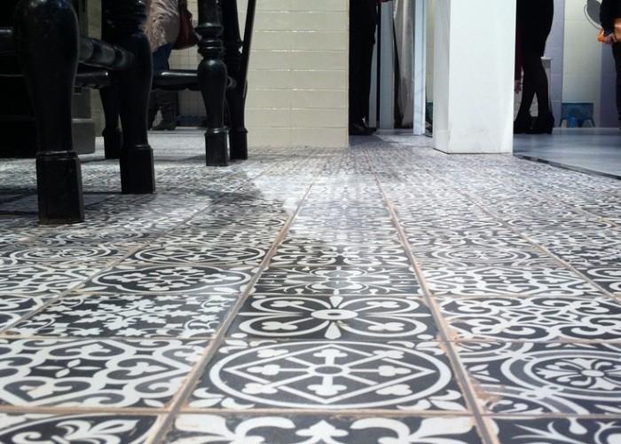 design vloer peronda lounge bar vloer tegels de spaan showroom